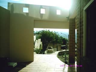 Ampliación piscina y quincho Balcones y terrazas modernos: Ideas, imágenes y decoración de Valy Moderno