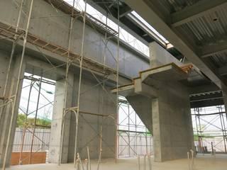 嘉義NW工廠:  走廊 & 玄關 by 兆博建築