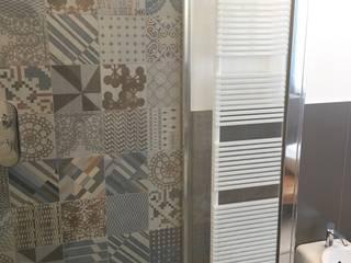 BIANCOACOLORI 現代浴室設計點子、靈感&圖片