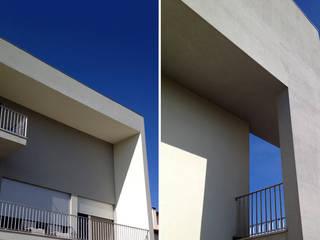 房子 by NUNO DURAO ARQUITECTOS, 現代風