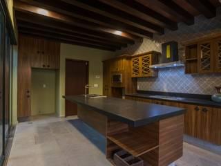 CASA MARMOL Casas modernas de LUIS GRACIA ARQUITECTURA + DISEÑO Moderno