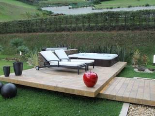 IngeniARQ Modern balcony, veranda & terrace