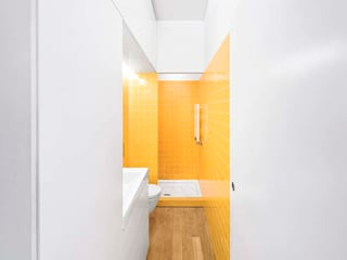 Casa de banho: Casas de banho  por Tiago Filipe Santos - Arquitetura