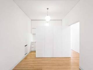 Sala: Salas de estar minimalistas por Tiago Filipe Santos - Arquitetura