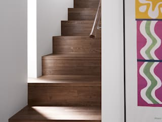 Staircase Modern Corridor, Hallway and Staircase by 久保田章敬建築研究所 Modern