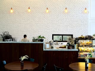 Origmi Cafe :   by Monolinedesign Studio