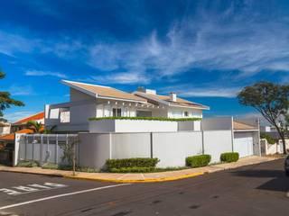 Projeto Residencial - Espaços práticos e funcionais: Casas  por mariaeunicearquitetura