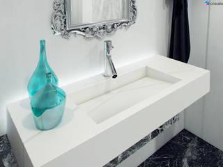 Nowoczesna łazienka w Londynie: styl , w kategorii Łazienka zaprojektowany przez Cristalstone,