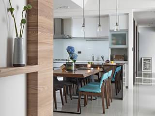 Salas de jantar modernas por 賀澤室內設計 HOZO_interior_design Moderno