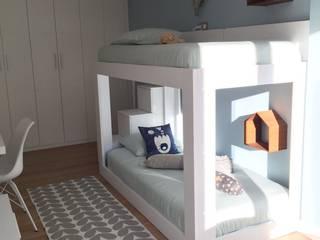 HABITACIÓN JUVENIL CUBO HARLEQUÍN: Litera: Dormitorios infantiles de estilo  de TocToc
