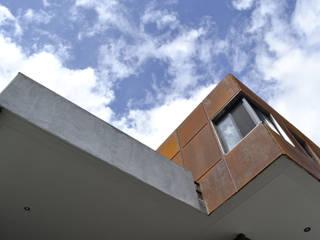 PROJECT WAS DELETED!: Casas de estilo moderno por CUBO ROJO Arquitectura