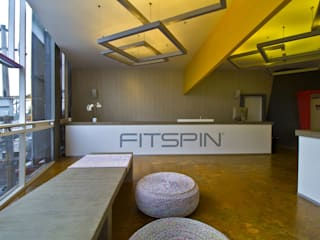 Gym by DIN Interiorismo , Modern