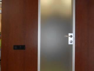 Minimalist corridor, hallway & stairs by AG design Minimalist