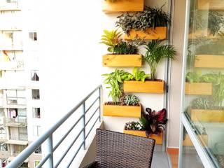 Departamento 87 m2 San Miguel - Lima: Balcones, porches y terrazas de estilo  por Raúl Zamora