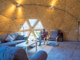 salón con vistas a la Sierra de la Pila: Salones de estilo  de Ecoproyecta