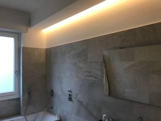PROGETTO APPARTAMENTO IN MILANO - 2017 Bagno moderno di Cozzi Arch. Mauro Moderno