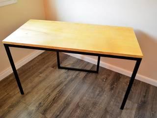 Mesa para escritório por PORTO PROJETOS METÁLICOS Moderno