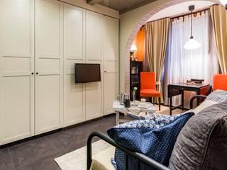 Маленькая Испания: Гостиная в . Автор – Школа Ремонта, Модерн