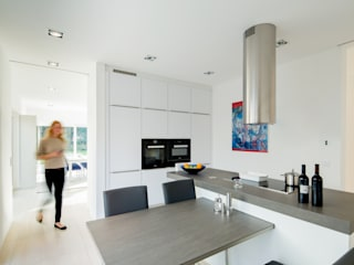 Modern kitchen by Ferreira | Verfürth Architekten Modern