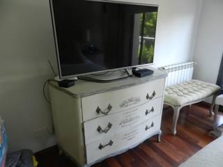 Casa en bario cerrado- Diseño de muebles personalizado de Sepia reciclados Ecléctico