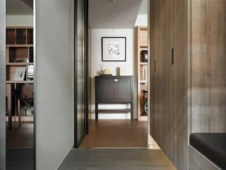 大集國際室內裝修設計工程有限公司 Minimalist corridor, hallway & stairs
