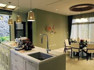 Modern dining room by 宇揚設計 Ton Horizon Design Team Modern