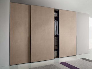 HOPUS BESPOKE WARDROBE:   by IQ Furniture