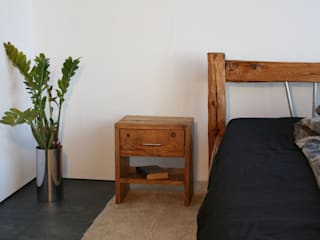 woodesign Christoph Weißer BedroomBedside tables Kayu Brown