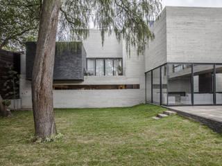 現代房屋設計點子、靈感 & 圖片 根據 Miguel de la Torre Arquitectos 現代風
