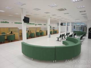 Layout agência Bancária - Sicredi Arroio do meio -RS: Espaços comerciais  por ANE DE CONTO  arq. + interiores,