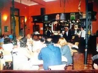 Restó Bar Gastronomía de estilo clásico de Valy Clásico