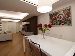 Minimalist dining room by Giuseppe Rappa & Angelo M. Castiglione Minimalist