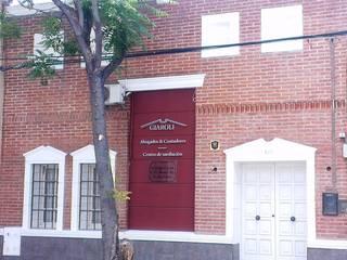Estudio Jurídico - Contable Edificios de oficinas de estilo ecléctico de Valy Ecléctico
