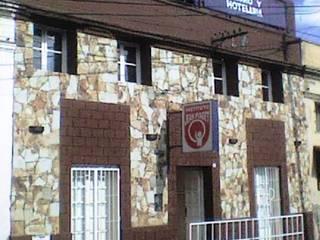 Instituto de Educación Nivel Primario y Terciario Escuelas de estilo ecléctico de Valy Ecléctico