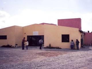 Tambo vacuno Centros de exposiciones de estilo industrial de Valy Industrial