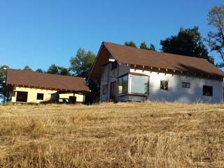 Cabaña Ñancul Casas de estilo rústico de Arquitectura y Construcción Chinquel Rústico