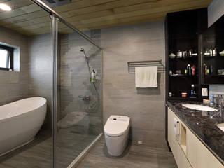 Taiwan Taichung - J House 現代浴室設計點子、靈感&圖片 根據 信美室內裝修 現代風