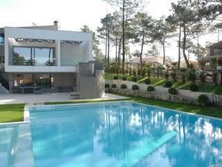 Habitação Unifamiliar - Aroeira: Casas  por Jorge Lopes, LABORATÓRIO DE ARQUITECTURA