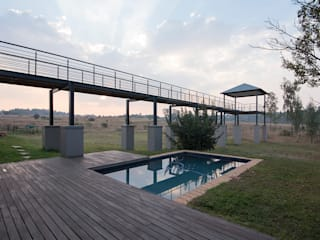House Zwavelpoort AH:  Pool by Metako Projex