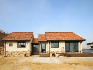 Casas de estilo  de 로이하우스
