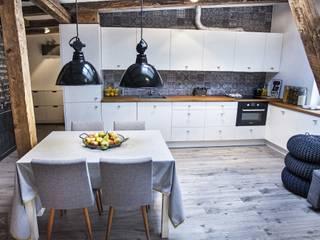 Cocinas de estilo escandinavo por Limonki Studio Wojciech Siudowski