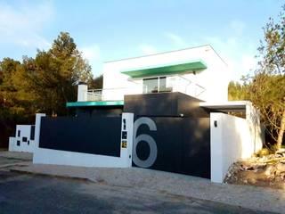 Fachada Principal: Casas  por Rui Arez, arquitecto