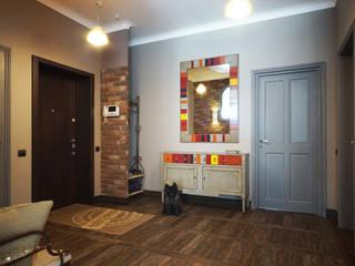 Pasillos, halls y escaleras rurales de SK- Sokolova design & Kogut Stroy Rural
