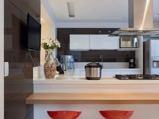 Cocinas de estilo  por Virna Carvalho Arquiteta
