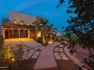 Residência - Diário de Obra: Jardins  por Rafaela Novaes Paisagismo