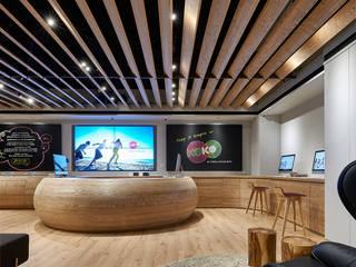 Modern offices & stores by 晨室空間設計有限公司 Modern