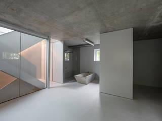 designyougo - architects and designers 浴室 水泥 Grey