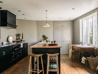 The Mill House Showroom by deVOL deVOL Kitchens KitchenCabinets & shelves Wood Black