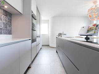 Handle Less design in Modern colours Eco German Kitchens Modern kitchen MDF Grey