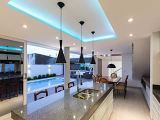 Dining room by 151 office Arquitetura LTDA, Modern